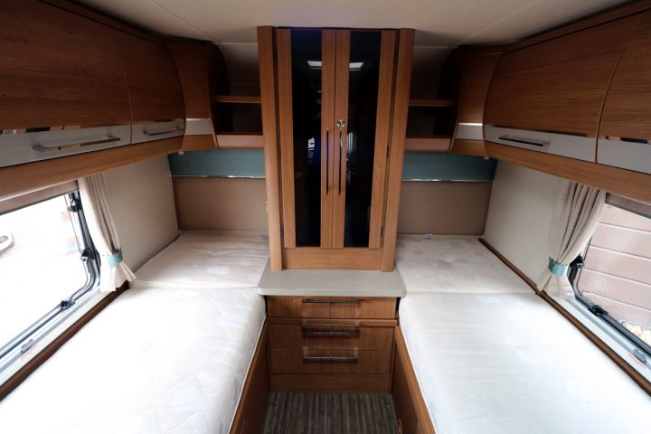Auto-Trail Savannah - Rear Low Single Beds