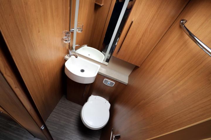 Auto-Trail Savannah - Washroom