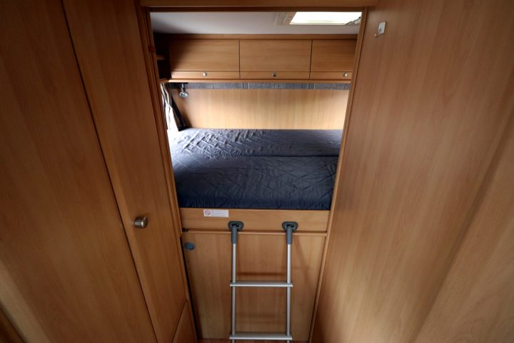 Dethleffs Esprit I6970 - Double Bed over Garage