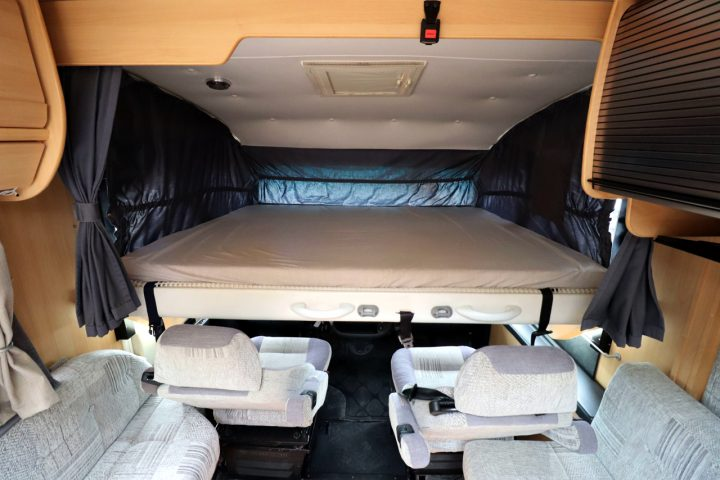 Dethleffs Esprit I6970 - Over Cab Bed