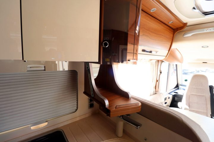 Hymer B704 PL - Drop Down