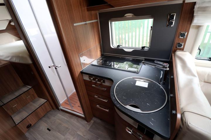 Hymer BMC-i 680 - Kitchen