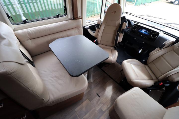 Hymer BMC-i 680 - Lounge