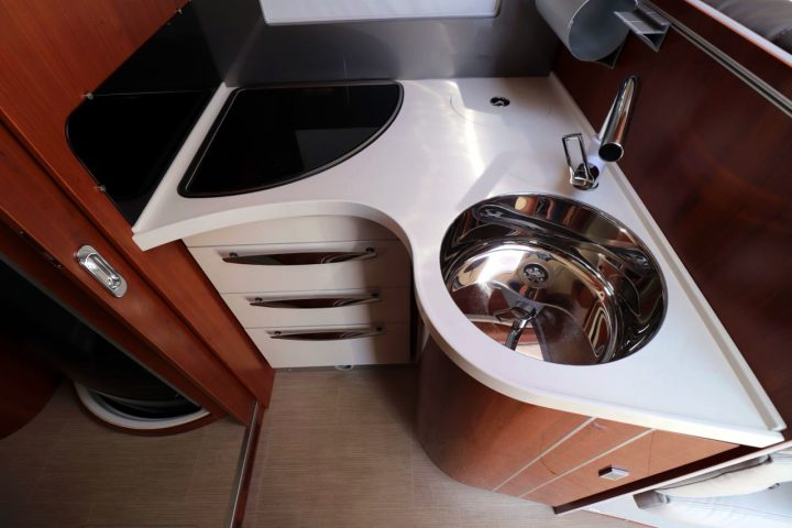 Mobilvetta K-Yacht 85 - Kitchen Sink