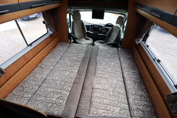 Autotrail Chieftan G - Bed Makeup