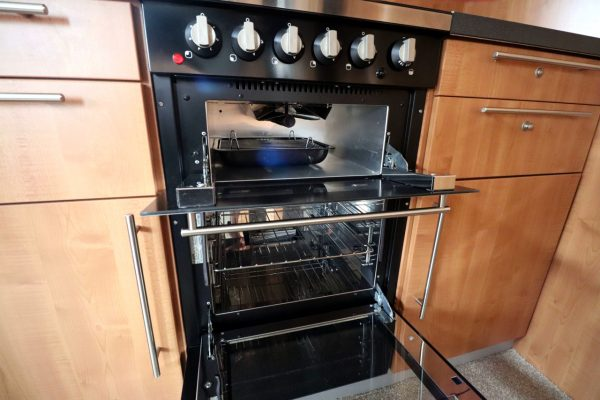Autotrail Chieftan G - Oven Grill
