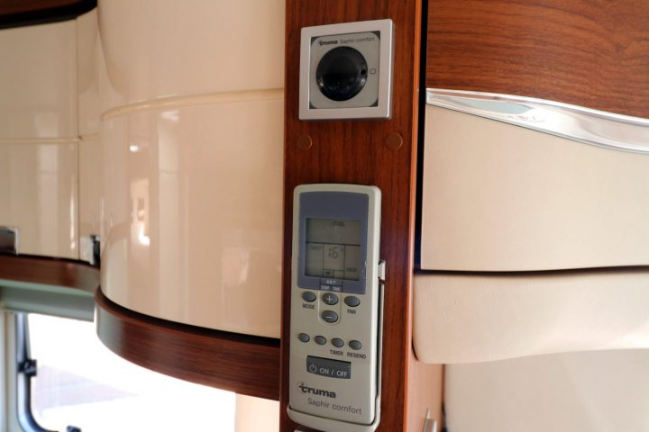 Hymer S830 - Air Conditioning Controls