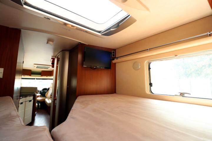 Hymer S830 - TV in Bedroom
