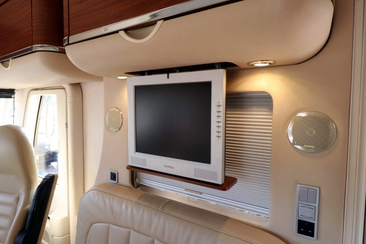 Hymer S830 - Front Lounge TV
