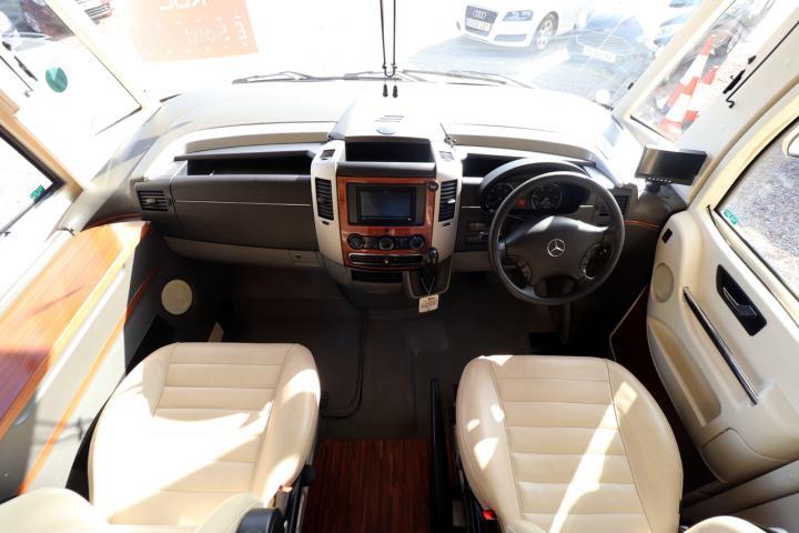 Hymer S830 - Cab