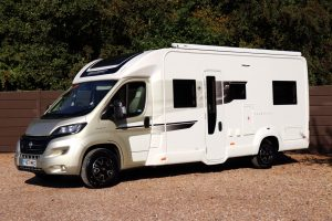 Swift Champagne 674 - Nearside Front