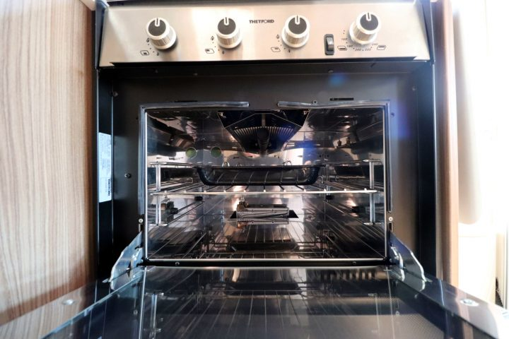 Swift Champagne 674 - Oven Grill