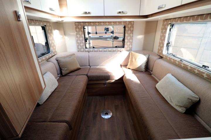 Swift Champagne 674 - Rear Lounge