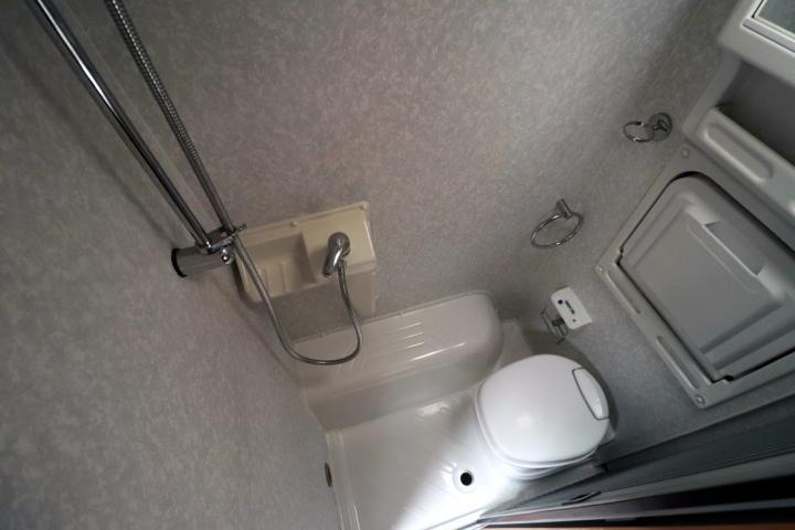 Swift Mondial - Washroom