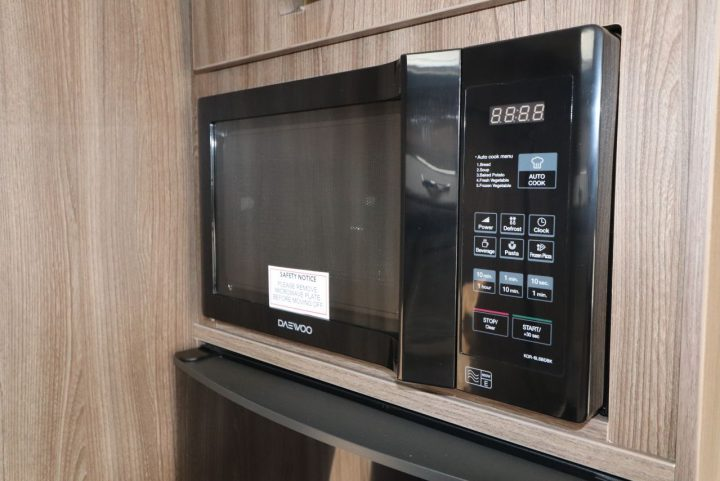 Auto-Sleepers Burford - Microwave