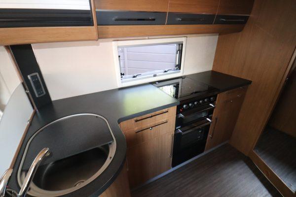 Auto-Trail Chieftain - Kitchen