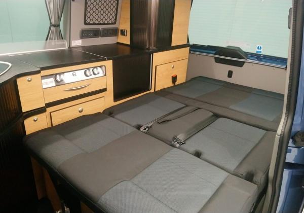 3371 Danbury Surf Double Volkswagen T6 Rock n Roll Bed