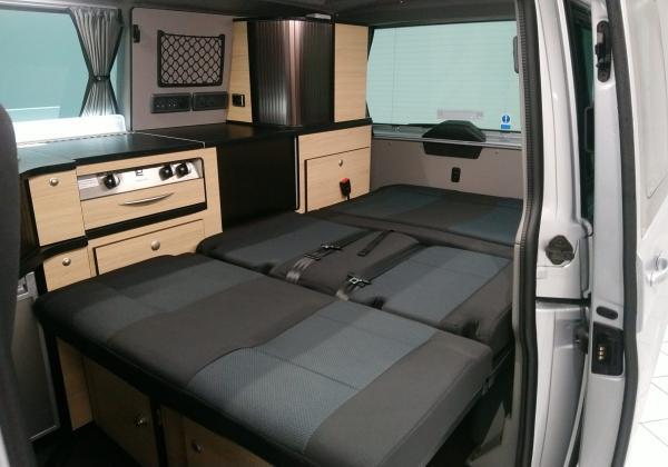 3380 Danbury Surf Double Volkswagen T6 Rock n Roll Bed