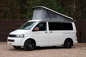 A1 Campers Volkswagen T6 - Nearside Front