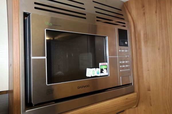 Auto-Trail Tracker RS - Microwave