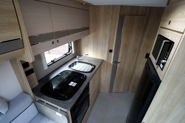 Elddis Autoquest 175 - Kitchen