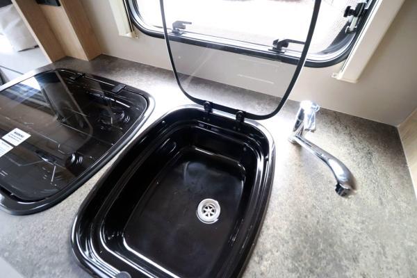 Elddis Autoquest 175 - Sink