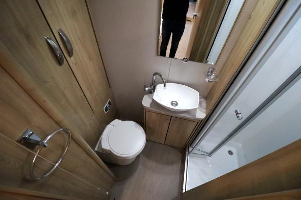 Elddis Sussex Ashington 185 - Washroom
