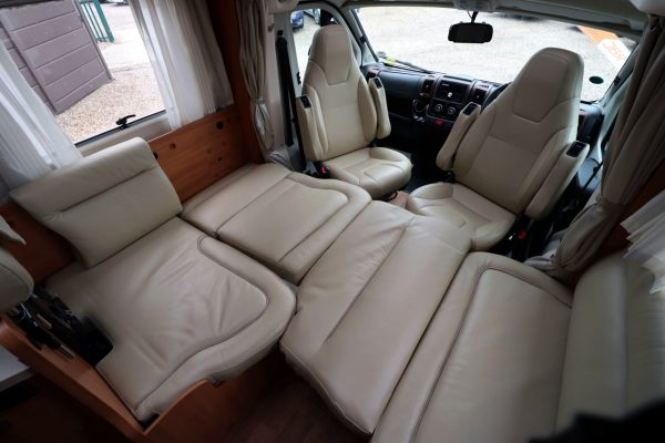 Hymer T668 SL - Bed Makeup