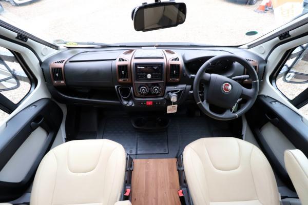 Hymer T668 SL - Cab