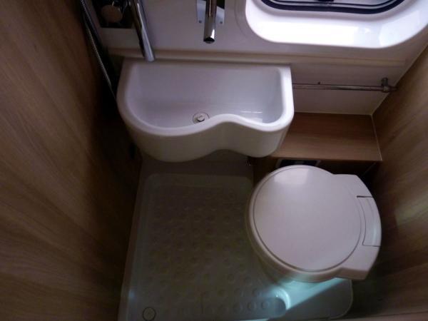 Trigano Tribute T669 - Washroom