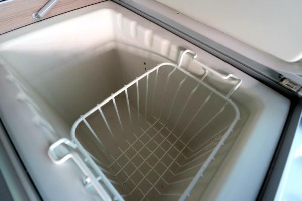 VW California - Fridge Freezer