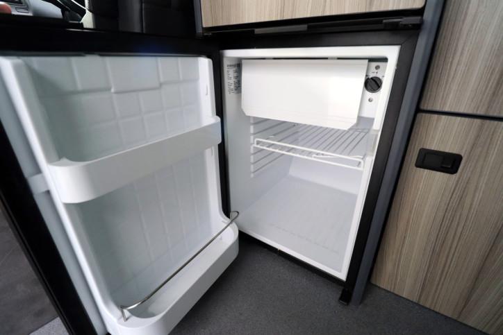 Volkswagen Caravelle Executive - Fridge Freezer