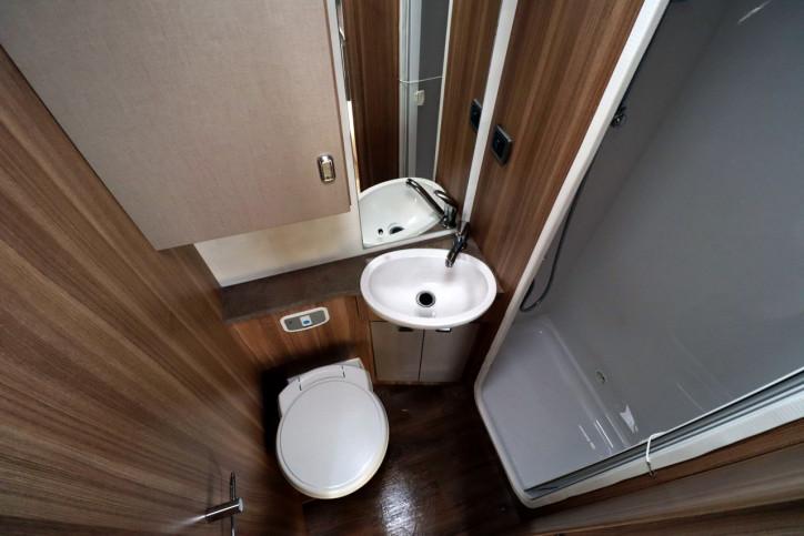 Bessacarr E462 - Washroom