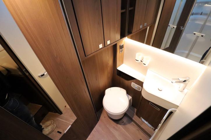 Hymer B MLI 780 Masterline - Washroom
