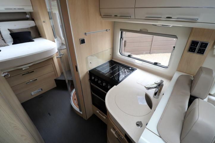 Hymer B708 SL - Kitchen