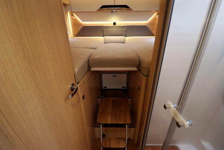 Hymer BMCI 680 - Beds With Infill