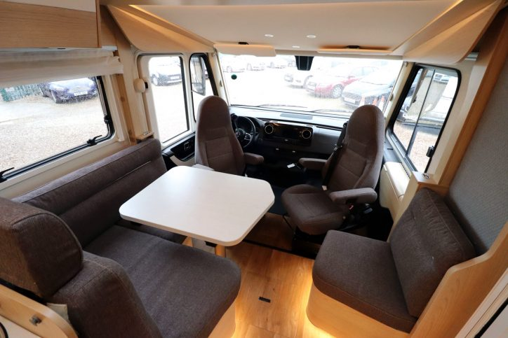 Hymer BMCI 680 - Lounge 2