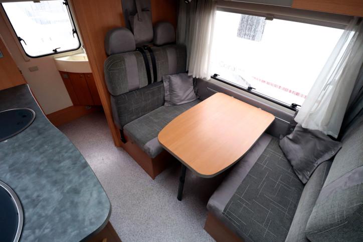 Knaus Sport Traveller 500 D - Dinette Table