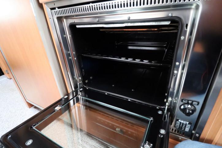 Knaus Sport Traveller 500 D - Oven Grill