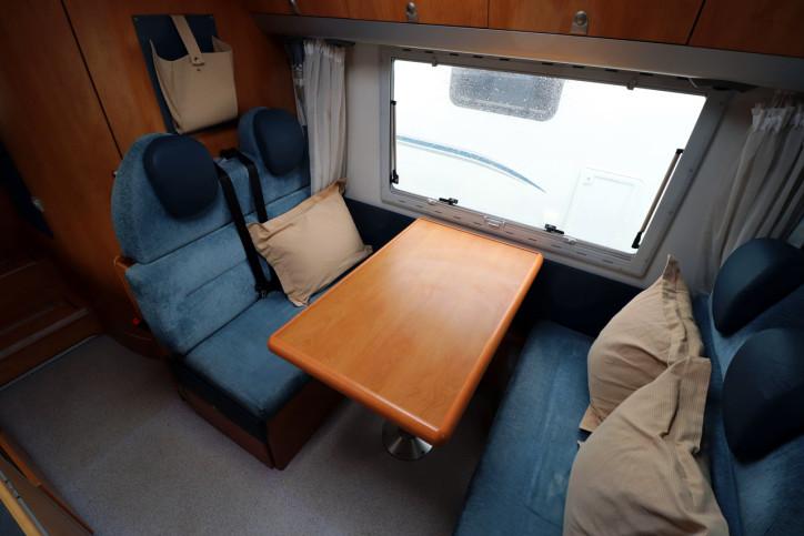 Knaus Sun Traveller 708G - Dinette