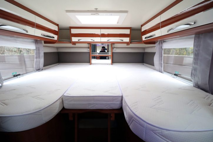 Mobilvetta K-yatch 85 - Rear Bed With Infill