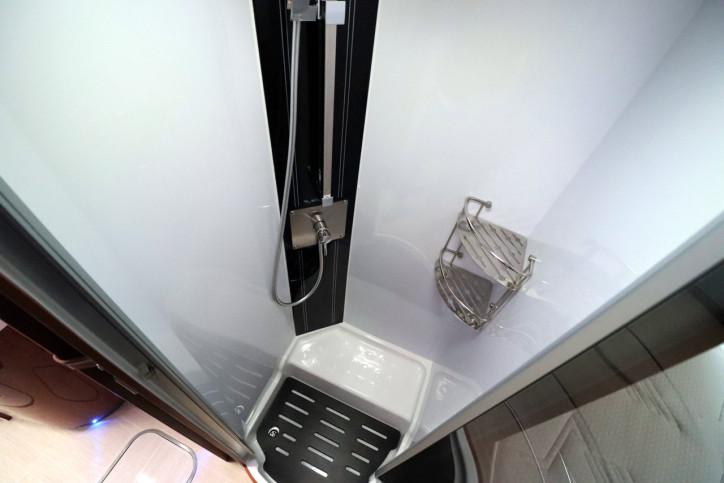 Mobilvetta K-yatch 85 - Shower