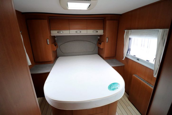 Pilote Explorateur G781 LCE - Rear Island Bed