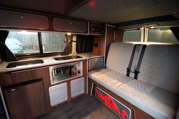 Volkswagen T5 Transporter Camper - Interior