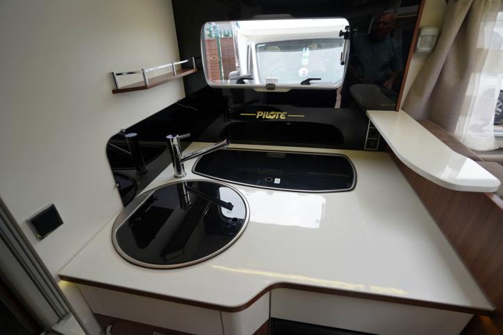 2018 Pilote Sensation P740 hob and sink closed